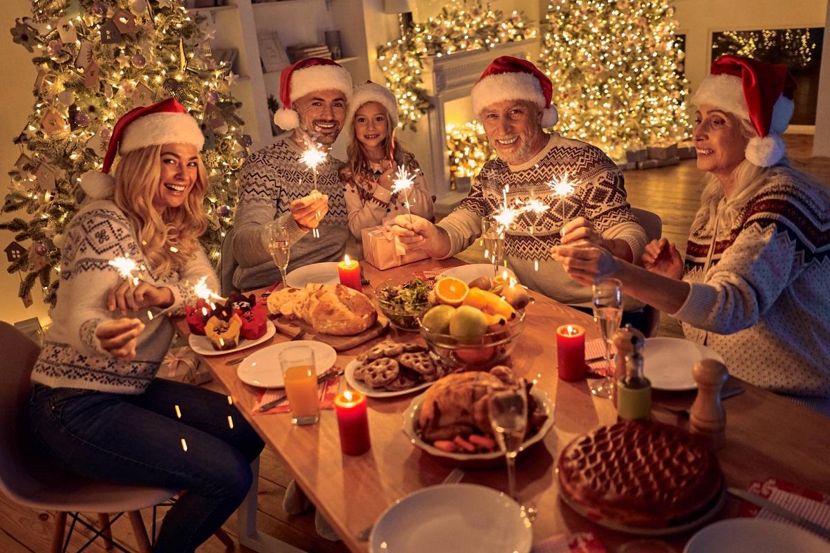 christmas-family-adobestock_235444056